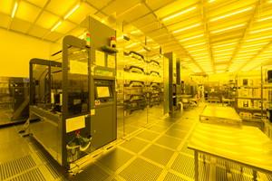 『スーパークリーンルーム(SCR)を有する最先端デバイス製造施設』の画像