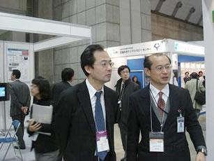『多くの方が nanotech2011 TIAブースをご視察されました(3)』の画像