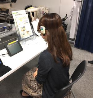 脳波計測実験中